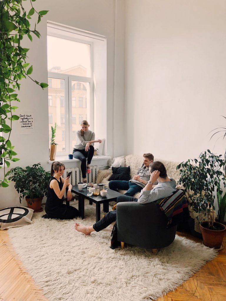 Ruang santai bersama keluarga menjadi lebih nyaman